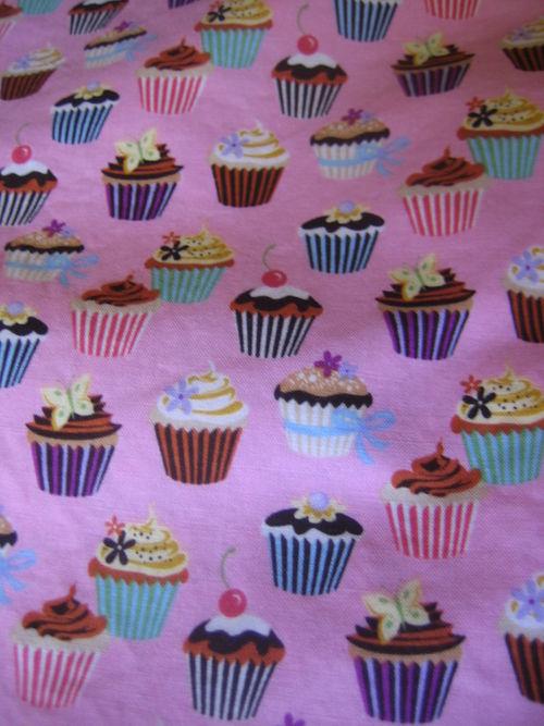 Cupcake apron (2)