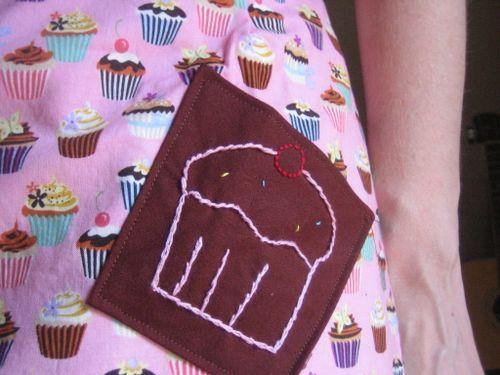 Cupcake apron done (2)